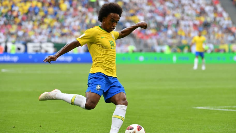 Brazil's forward Willian kicks the ball during the Russia 2018 World Cup round of 16 football match between Brazil and Mexico at the Samara Arena in Samara on July 2, 2018. (Photo by EMMANUEL DUNAND / AFP) / RESTRICTED TO EDITORIAL USE - NO MOBILE PUSH ALERTS/DOWNLOADS        (Photo credit should read EMMANUEL DUNAND/AFP/Getty Images)