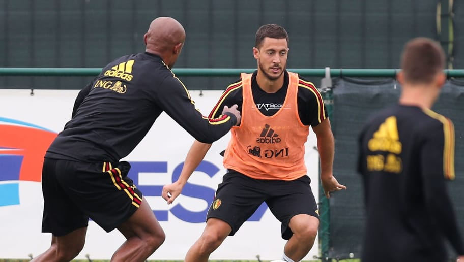 Belgium's midfielder Eden Hazard (C) controls the ball during a training session in Tubize on Jun 1, 2018. - Red Devils, belgian national football team, started their preparations for the upcoming FIFA World Cup 2018 in Russia. (Photo by BRUNO FAHY / Belga / AFP) / Belgium OUT        (Photo credit should read BRUNO FAHY/AFP/Getty Images)