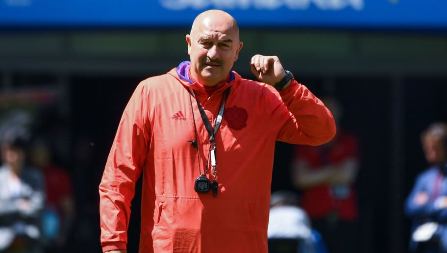 Russia's coach Stanislav Cherchesov takes part to a training session on the eve of the Russia 2018 World Cup Group A football match between Russia and Uruguay at the Samara Arena on June 24, 2018 in Samara. (Photo by Emmanuel DUNAND / AFP)        (Photo credit should read EMMANUEL DUNAND/AFP/Getty Images)