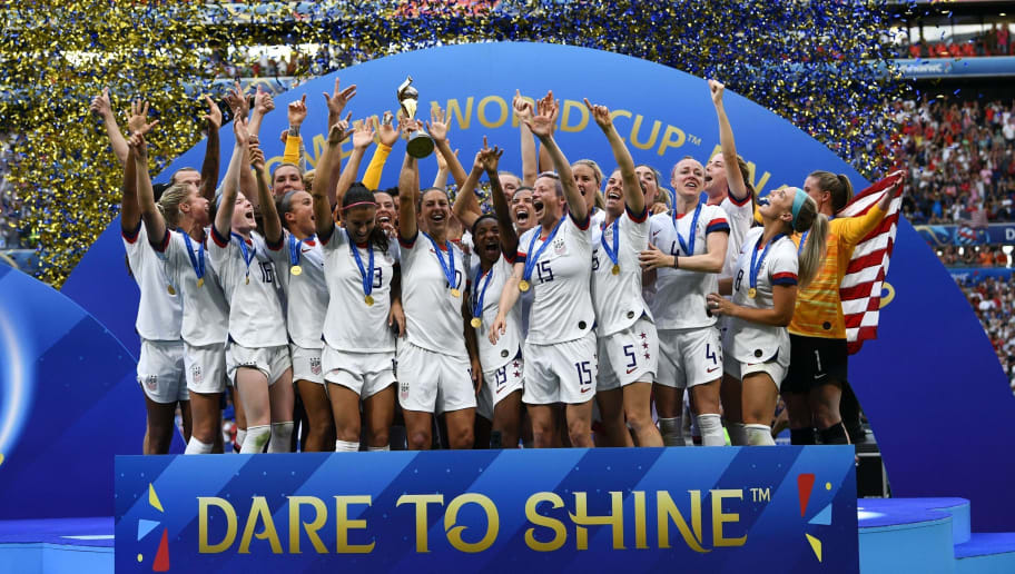 FBL-WC-2019-WOMEN-MATCH52-USA-NED-TROPHY