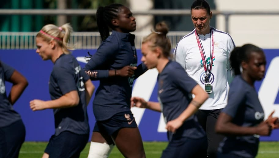 FBL-WOMEN-WC-2019-FRA-TRAINING