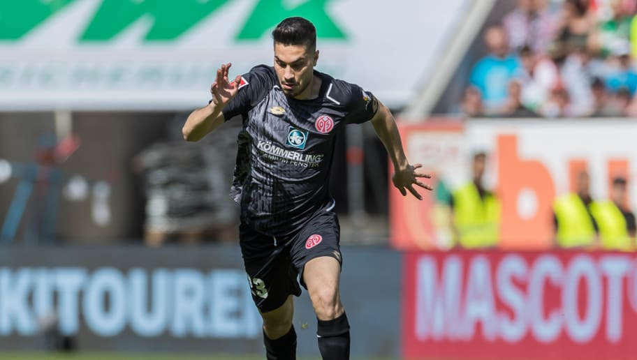 AUGSBURG, GERMANY - APRIL 22: Suat Serdar of Mainz controls the ball during the Bundesliga match between FC Augsburg and 1. FSV Mainz 05 at WWK-Arena on April 22, 2018 in Augsburg, Germany. (Photo by TF-Images/TF-Images via Getty Images)
