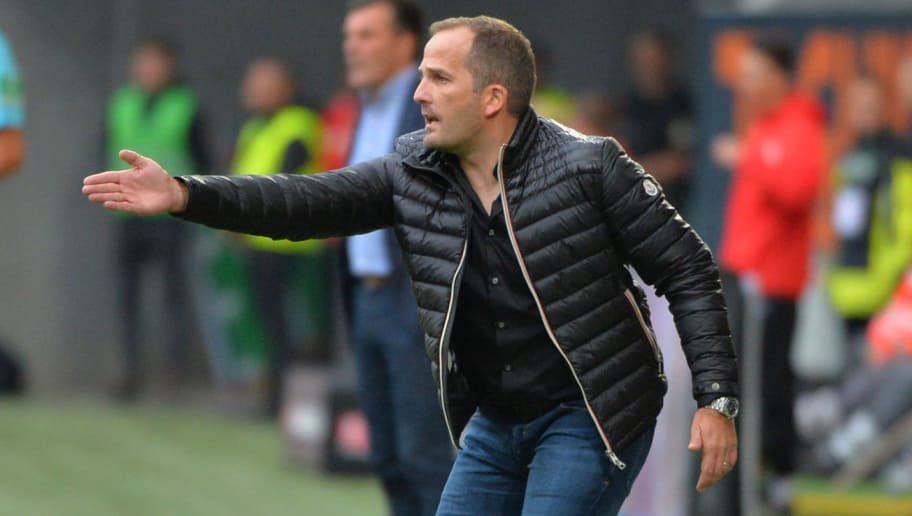 AUGSBURG, GERMANY - SEPTEMBER 01: Head coach  Manuel Baum of Augsburg  gestures  during the Bundesliga match between FC Augsburg and Borussia Moenchengladbach at WWK-Arena on September 1, 2018 in Augsburg, Germany. (Photo by TF-Images/Getty Images)