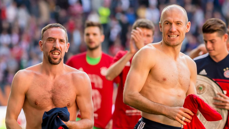 AUGSBURG, GERMANY - APRIL 07: Arjen Robben of Muenchen and Franck Ribery of Muenchen celebrate after winning the Bundesliga match between FC Augsburg and FC Bayern Muenchen at WWK-Arena on April 7, 2018 in Augsburg, Germany. (Photo by TF-Images/Getty Images)