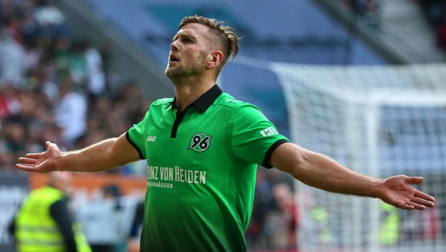 AUGSBURG, GERMANY - OCTOBER 21: Niclas Fuellkrug of Hannover celebrates after scoring his team`s second goal during the Bundesliga match between FC Augsburg and Hannover 96 at WWK-Arena on October 21, 2017 in Augsburg, Germany. (Photo by TF-Images/TF-Images via Getty Images)