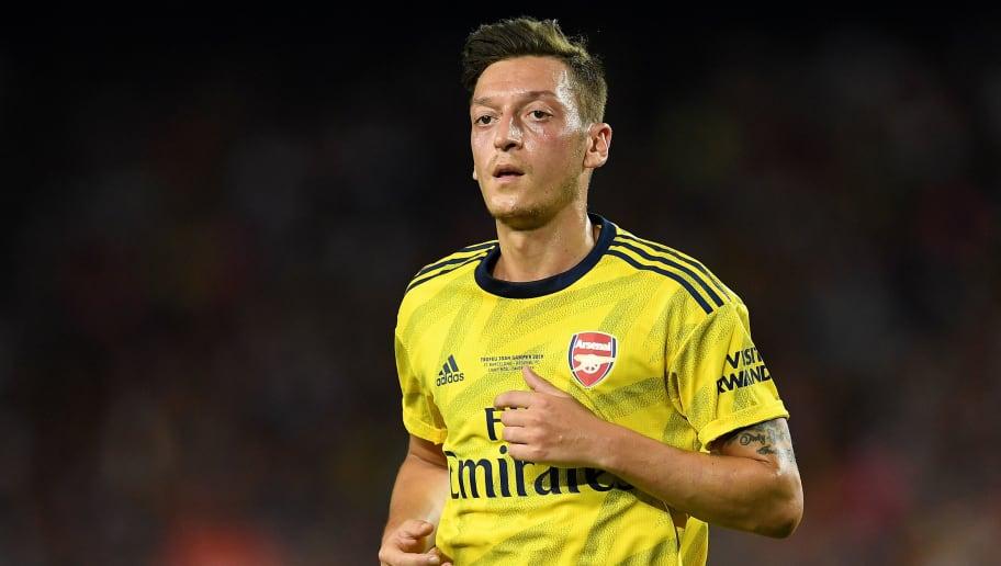 Unai Emery Provides Update on Mesut Ozil Ahead of Liverpool Clash