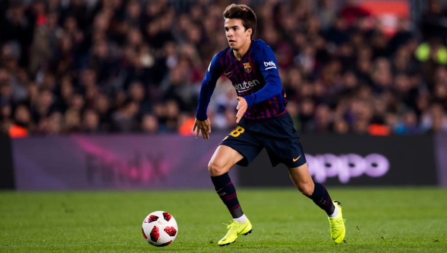 BARCELONA, SPAIN - DECEMBER 05: Riqui Puig of FC Barcelona conducts the ball during the Copa del Rey fourth round second leg match between FC Barcelona and Cultural Leonesa at Camp Nou on December 05, 2018 in Barcelona, Spain. (Photo by Alex Caparros/Getty Images)