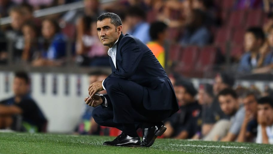 BARCELONA, SPAIN - AUGUST 18:  Head coach Ernesto Valverde of FC Barcelona looks on during the La Liga match between FC Barcelona and Deportivo Alaves at Camp Nou on August 18, 2018 in Barcelona, Spain.  (Photo by David Ramos/Getty Images)