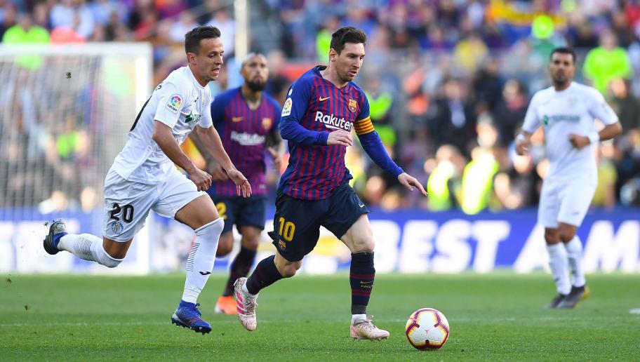 Lionel Messi,Nemanja Maksimovic