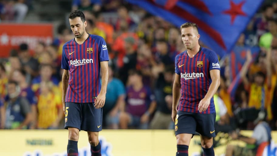 BARCELONA, SPAIN - SEPTEMBER 23: (L-R) Sergio Busquets of FC Barcelona, Arthur of FC Barcelona during the La Liga Santander  match between FC Barcelona v Girona at the Camp Nou on September 23, 2018 in Barcelona Spain (Photo by Jeroen Meuwsen/Soccrates/Getty Images)
