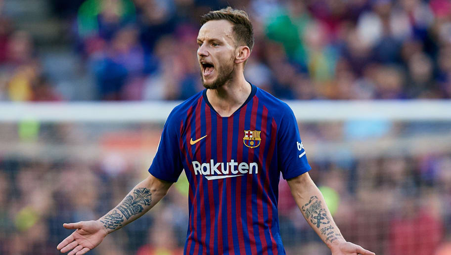 BARCELONA, SPAIN - OCTOBER 28: Ivan Rakitic of FC Barcelona reacts during the La Liga match between FC Barcelona and Real Madrid CF at Camp Nou on October 28, 2018 in Barcelona, Spain. (Photo by David Aliaga/MB Media/Getty Images)