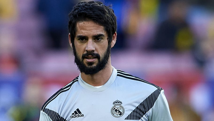 BARCELONA, SPAIN - OCTOBER 28:  Isco Alarcon of Real Madrid warms up prior to  the La Liga match between FC Barcelona and Real Madrid CF at Camp Nou on October 28, 2018 in Barcelona, Spain. (Photo by Quality Sport Images/Getty Images)