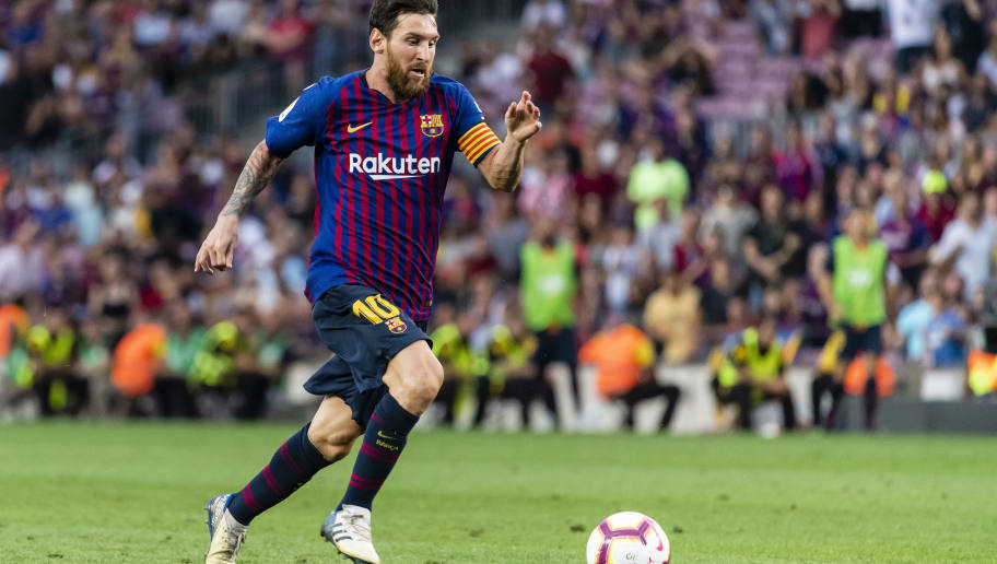 BARCELONA, SPAIN - SEPTEMBER 02: Lionel Andres Messi of FC Barcelona in action during the La Liga 2018-19 match between FC Barcelona and SD Huesca at Camp Nou on 02 September 2018 in Barcelona, Spain. (Photo by Power Sport Images/Getty Images)