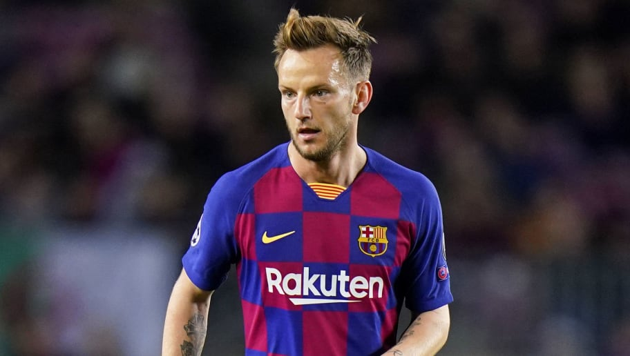 Ivan Rakitic Determined to 'Continue' at Barcelona Despite Losing His Place This Season