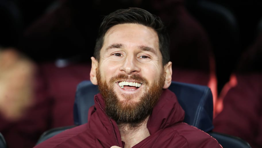 BARCELONA, SPAIN - DECEMBER 11: Lionel Messi of Barcelona sits on the bench during the UEFA Champions League Group B match between FC Barcelona and Tottenham Hotspur at Camp Nou on December 11, 2018 in Barcelona, Spain. (Photo by Ian MacNicol/Getty Images)