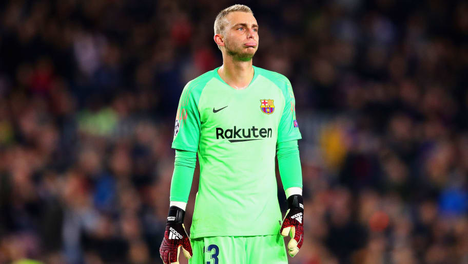BARCELONA, SPAIN - DECEMBER 11:  Jasper Cillessen of FC Barcelona looks on during the UEFA Champions League Group B match between FC Barcelona and Tottenham Hotspur at Camp Nou on December 11, 2018 in Barcelona, Spain.  (Photo by Chris Brunskill/Fantasista/Getty Images)