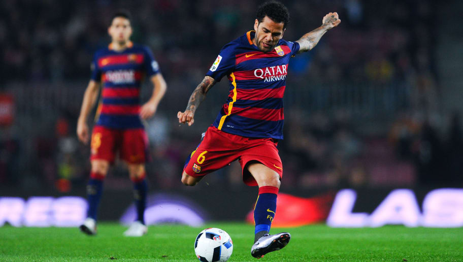 BARCELONA, SPAIN - DECEMBER 02:  Dani Alves of FC Barcelona scores the opening goal during the Copa del Rey Round of 32 second leg match betwen FC Barcelona and Villanovense on December 2, 2015 in Barcelona, Spain.  (Photo by David Ramos/Getty Images)