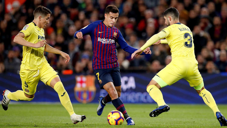 BARCELONA, SPAIN - DECEMBER 2: (L-R) Santiago Caseres of Villarreal, Philippe Coutinho of FC Barcelona, Alvaro Gonzalez of Villarreal  during the La Liga Santander  match between FC Barcelona v Villarreal at the Camp Nou on December 2, 2018 in Barcelona Spain (Photo by Soccrates/Getty Images)