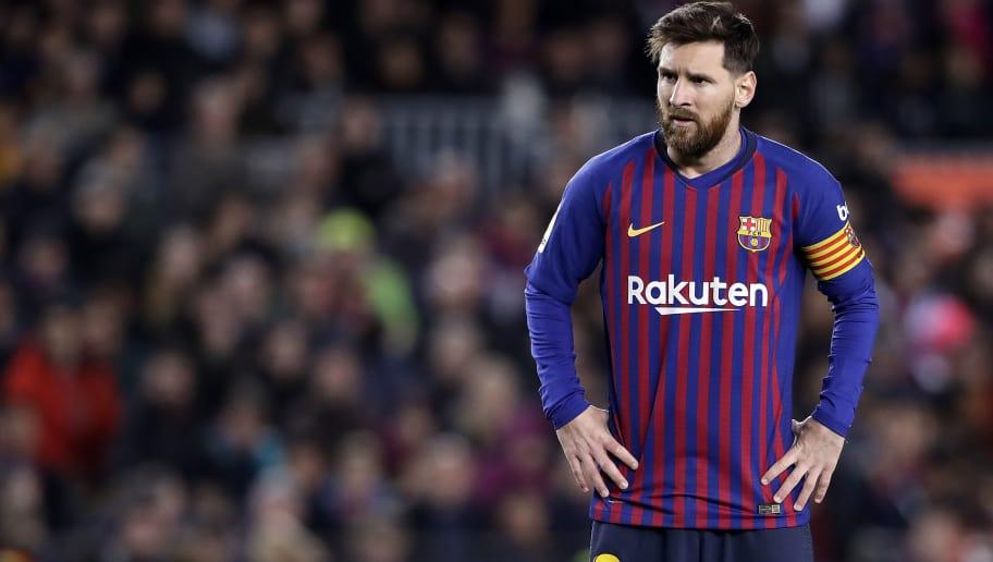 BARCELONA, SPAIN - DECEMBER 2: Lionel Messi of FC Barcelona  during the La Liga Santander  match between FC Barcelona v Villarreal at the Camp Nou on December 2, 2018 in Barcelona Spain (Photo by Soccrates/Getty Images)