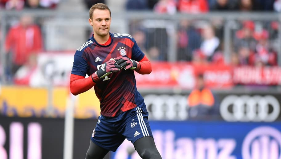 MUNICH, GERMANY - SEPTEMBER 16: Goalkeeper Manuel Neuer of FC Bayern Muenchen stretches before the Bundesliga match between FC Bayern Muenchen and 1. FSV Mainz 05 at Allianz Arena on September 16, 2017 in Munich, Germany. (Photo by Sebastian Widmann/Bongarts/Getty Images)