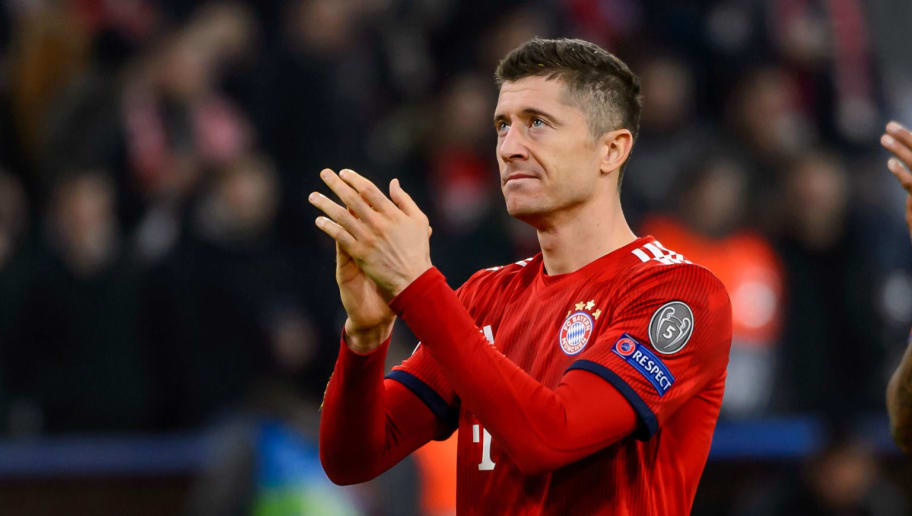 MUNICH, GERMANY - NOVEMBER 07: Robert Lewandowski of Bayern Muenchen gestures during the Group E match of the UEFA Champions League between FC Bayern Muenchen and AEK Athens at Allianz Arena on November 7, 2018 in Munich, Germany. (Photo by TF-Images/Getty Images)