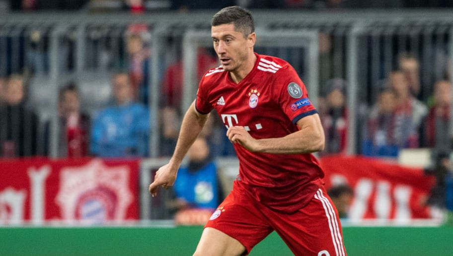 MUNICH, GERMANY - OCTOBER 02: Robert Lewandowski of Munich with ball during the Group E match of the UEFA Champions League between FC Bayern Muenchen and Ajax at Allianz Arena on October 2, 2018 in Munich, Germany. (Photo by Marc Mueller/Getty Images)