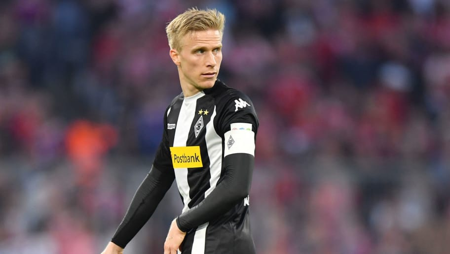 MUNICH, GERMANY - APRIL 14: Oscar Wendt of Moenchengladbach looks over his shoulder during the Bundesliga match between FC Bayern Muenchen and Borussia Moenchengladbach at Allianz Arena on April 14, 2018 in Munich, Germany. (Photo by Sebastian Widmann/Bongarts/Getty Images,)
