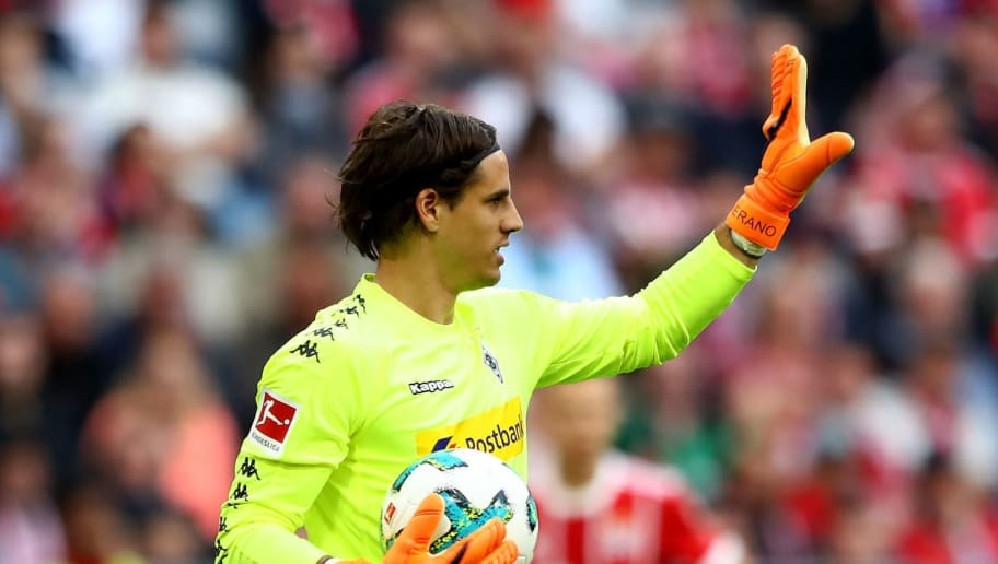 MUNICH, GERMANY - APRIL 14:  Yann Sommer, goalkeeper of Moenchengladbach controlls the ball during the Bundesliga match between FC Bayern Muenchen and Borussia Moenchengladbach at Allianz Arena on April 14, 2018 in Munich, Germany.  (Photo by Martin Rose/Bongarts/Getty Images)