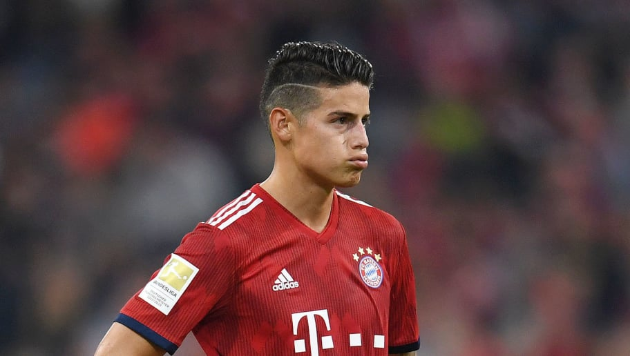 MUNICH, GERMANY - OCTOBER 06:  James Rodriguez of Bayern Munich looks dejected during the Bundesliga match between FC Bayern Muenchen and Borussia Moenchengladbach at Allianz Arena on October 6, 2018 in Munich, Germany.  (Photo by Matthias Hangst/Bongarts/Getty Images)