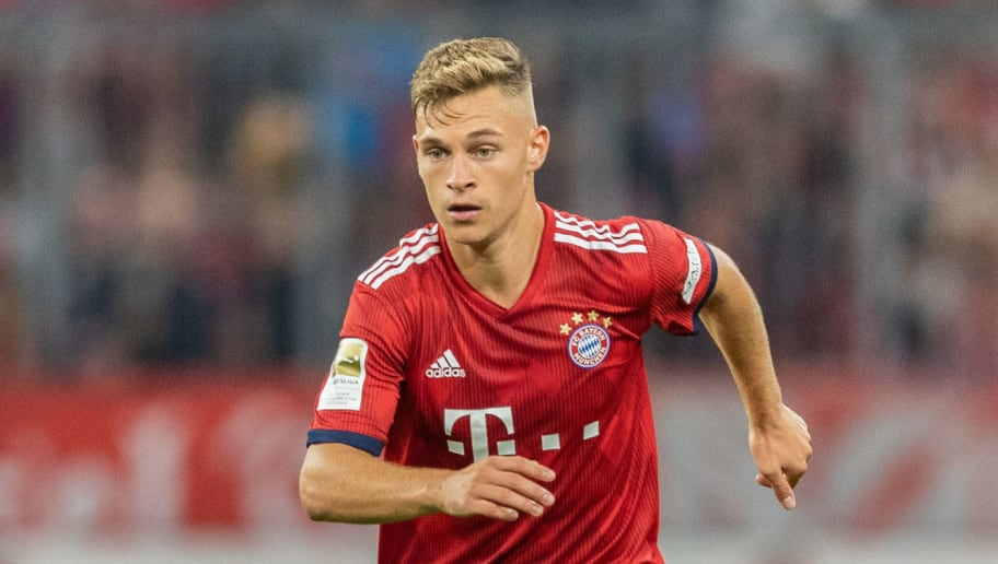 MUNICH, GERMANY - OCTOBER 06: Joshua Kimmich of FC Bayern Muenchen runs with the ball during the Bundesliga match between FC Bayern Muenchen and Borussia Moenchengladbach at Allianz Arena on October 6, 2018 in Munich, Germany. (Photo by Boris Streubel/Getty Images)