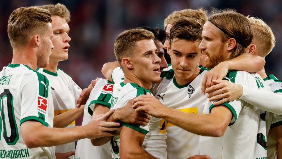 MUNICH, GERMANY - OCTOBER 06: Lars Stindl of Borussia Moenchengladbach celebrates after scoring his team`s second goal with team mates during the Bundesliga match between FC Bayern Muenchen and Borussia Moenchengladbach at Allianz Arena on October 6, 2018 in Munich, Germany. (Photo by TF-Images/Getty Images)