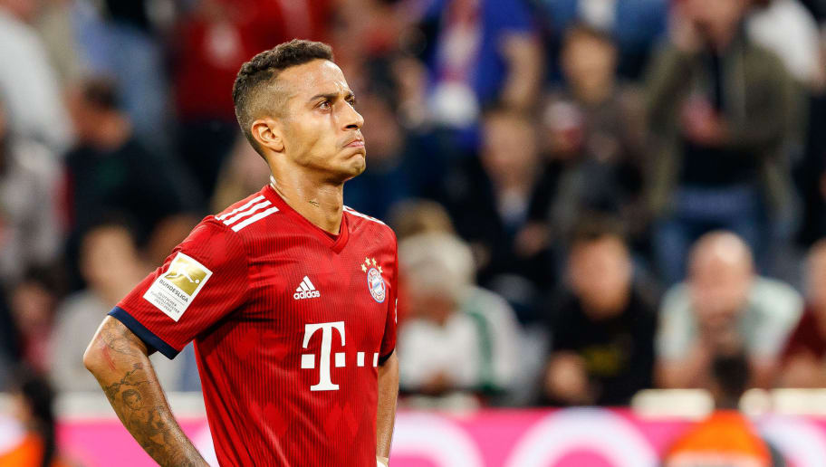 MUNICH, GERMANY - OCTOBER 06: Thiago Alcantara of Bayern Muenchen looks dejected during the Bundesliga match between FC Bayern Muenchen and Borussia Moenchengladbach at Allianz Arena on October 6, 2018 in Munich, Germany. (Photo by TF-Images/Getty Images)