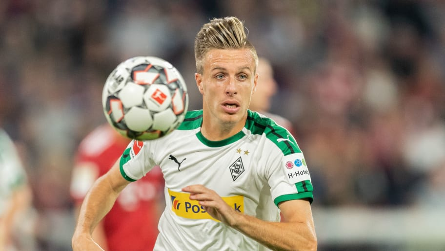 MUNICH, GERMANY - OCTOBER 06: Patrick Herrmann of Borussia Moenchengladbach runs with the ball during the Bundesliga match between FC Bayern Muenchen and Borussia Moenchengladbach at Allianz Arena on October 6, 2018 in Munich, Germany. (Photo by Boris Streubel/Getty Images)