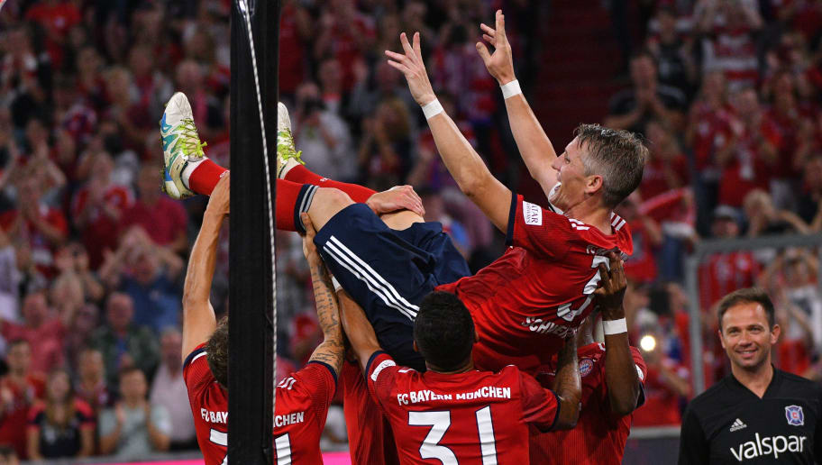 MUNICH, GERMANY - AUGUST 28: Bastian Schweinsteiger of Bayern Muenchen celebrates after scoring his team`s fourth goal with team mates during the friendly match between FC Bayern Muenchen and Chicago Fire at Allianz Arena on August 28, 2018 in Munich, Germany. (Photo by TF-Images/Getty Images)