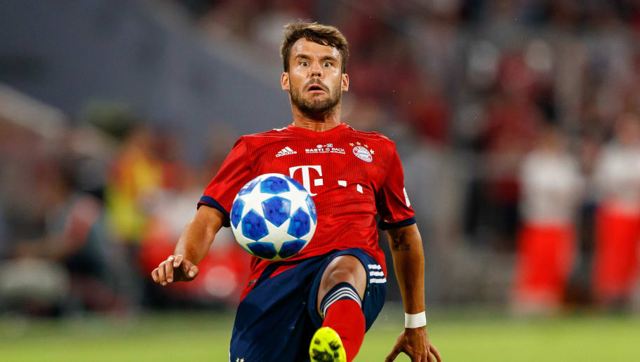 MUNICH, GERMANY - AUGUST 28: Juan Bernat of Bayern Muenchen controls the ball during the friendly match between FC Bayern Muenchen and Chicago Fire at Allianz Arena on August 28, 2018 in Munich, Germany. (Photo by TF-Images/Getty Images)