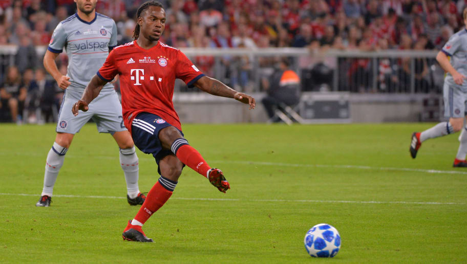 MUNICH, GERMANY - AUGUST 28: Renato Sanches of Bayern Muenchen controls the ball during the friendly match between FC Bayern Muenchen and Chicago Fire at Allianz Arena on August 28, 2018 in Munich, Germany. (Photo by TF-Images/Getty Images)