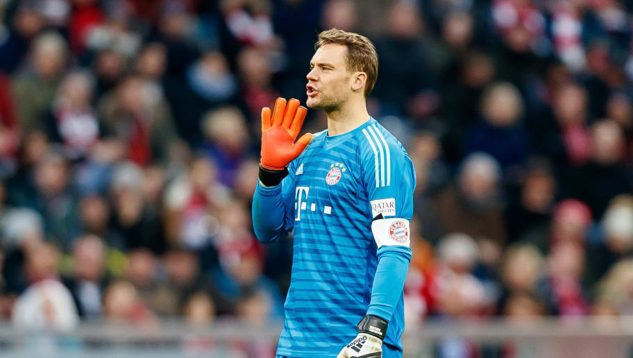 MUNICH, GERMANY - NOVEMBER 24: Goalkeeper Manuel Neuer of Bayern Muenchen gestures during the Bundesliga match between FC Bayern Muenchen and Fortuna Duesseldorf at Allianz Arena on November 24, 2018 in Munich, Germany. (Photo by TF-Images/Getty Images)