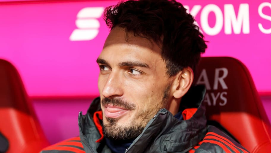 MUNICH, GERMANY - NOVEMBER 24: Mats Hummels of Bayern Muenchen looks on prior the Bundesliga match between FC Bayern Muenchen and Fortuna Duesseldorf at Allianz Arena on November 24, 2018 in Munich, Germany. (Photo by TF-Images/Getty Images)
