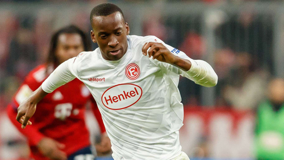 MUNICH, GERMANY - NOVEMBER 24: Dodi Lukebakio of Fortuna Duesseldorf controls the ball during the Bundesliga match between FC Bayern Muenchen and Fortuna Duesseldorf at Allianz Arena on November 24, 2018 in Munich, Germany. (Photo by TF-Images/Getty Images)
