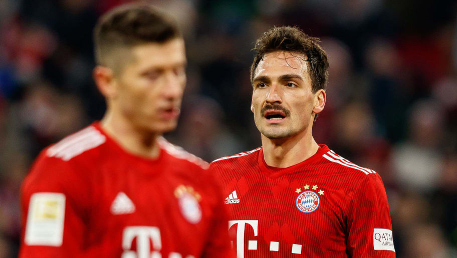 MUNICH, GERMANY - DECEMBER 19: Mats Hummels of FC Bayern Muenchen looks on during the Bundesliga match between FC Bayern Muenchen and RB Leipzig at Allianz Arena on December 19, 2018 in Munich, Germany. (Photo by TF-Images/TF-Images via Getty Images)