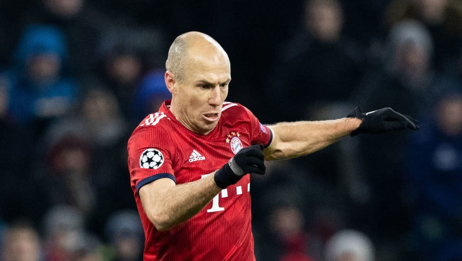 MUNICH, GERMANY - NOVEMBER 27: Arjen Robben of FC Bayern Muenchen runs with the ball during the Group E match of the UEFA Champions League between FC Bayern Muenchen and SL Benfica at Allianz Arena on November 27, 2018 in Munich, Germany. (Photo by Boris Streubel/Getty Images)