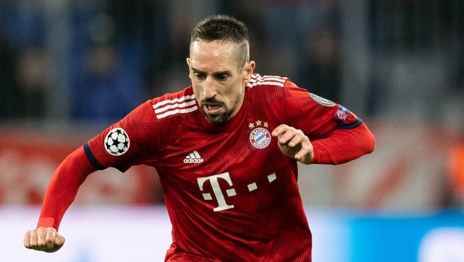 MUNICH, GERMANY - NOVEMBER 27: Franck Ribery of FC Bayern Muenchen runs with the ball during the Group E match of the UEFA Champions League between FC Bayern Muenchen and SL Benfica at Allianz Arena on November 27, 2018 in Munich, Germany. (Photo by Boris Streubel/Getty Images)