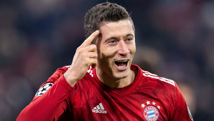 MUNICH, GERMANY - NOVEMBER 27: Robert Lewandowski of FC Bayern Muenchen celebrates after scoring his team's fourth goal during the Group E match of the UEFA Champions League between FC Bayern Muenchen and SL Benfica at Allianz Arena on November 27, 2018 in Munich, Germany. (Photo by Boris Streubel/Getty Images)