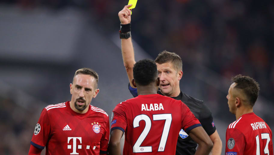 MUNICH, GERMANY - NOVEMBER 27:  Franck Ribery of Bayern Munich is shown a yellow card by referee Daniele Orsato during the UEFA Champions League Group E match between FC Bayern Muenchen and SL Benfica at Fussball Arena Muenchen on November 27, 2018 in Munich, Germany.  (Photo by Alex Hassenstein/Getty Images)