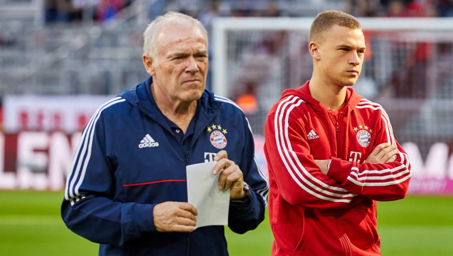 MUNICH, GERMANY - OCTOBER 14: Assistent coach Hermann Gerland of Bayern Muenchen and Joshua Kimmich of Bayern Muenchen looks on during the Bundesliga soccer match between FC Bayern Munich and SC Freiburg at Allianz Arena in Munich, Germany on October 14, 2017. (Photo by TF-Images/TF-Images via Getty Images)