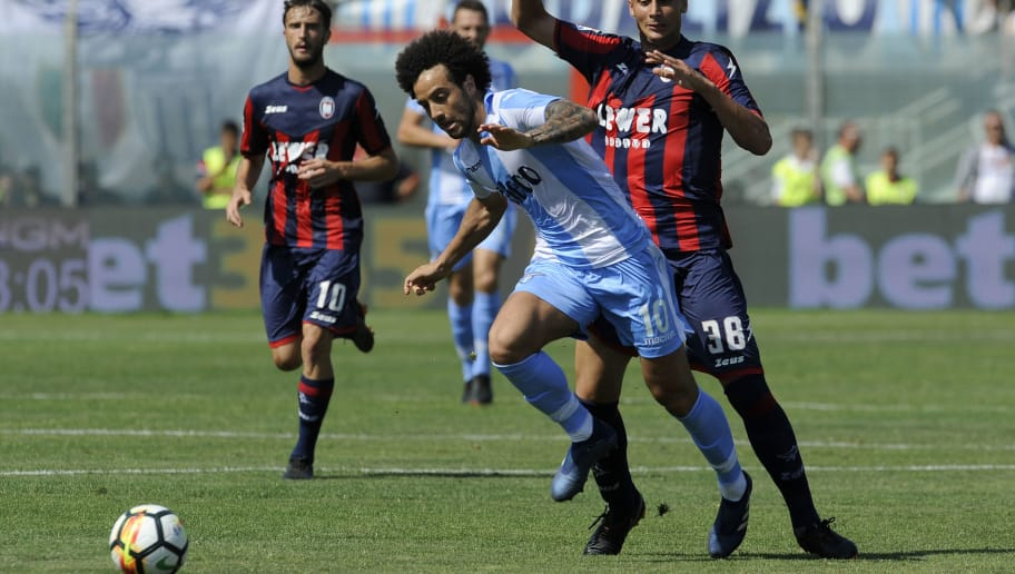CROTONE, CROTONE - MAY 13:  Felipe Anderson of SS Lazio in action during the serie A match between FC Crotone and SS Lazio at Stadio Comunale Ezio Scida on May 13, 2018 in Crotone, Italy.  (Photo by Marco Rosi/Getty Images)