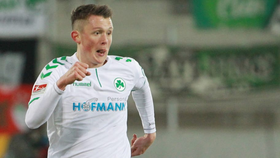 AUE, GERMANY - MARCH 19:  Fabian Reese of Fuerth during the second Bundesliga match between FC Erzgebirge Aue and SpVgg Greuther Fuerth at Sparkassen-Erzgebirgsstadion on March 19, 2018 in Aue, Germany. (Photo by Karina Hessland-Wissel/Bongarts/Getty Images)