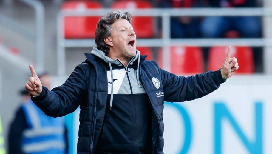 INGOLSTADT, GERMANY - NOVEMBER 11: head coach Jeff Saibene of Arminia Bielefeld gestures during the Second Bundesliga match between FC Ingolstadt 04 and DSC Arminia Bielefeld at Audi Sportpark on November 11, 2018 in Ingolstadt, Germany. (Photo by TF-Images/Getty Images)