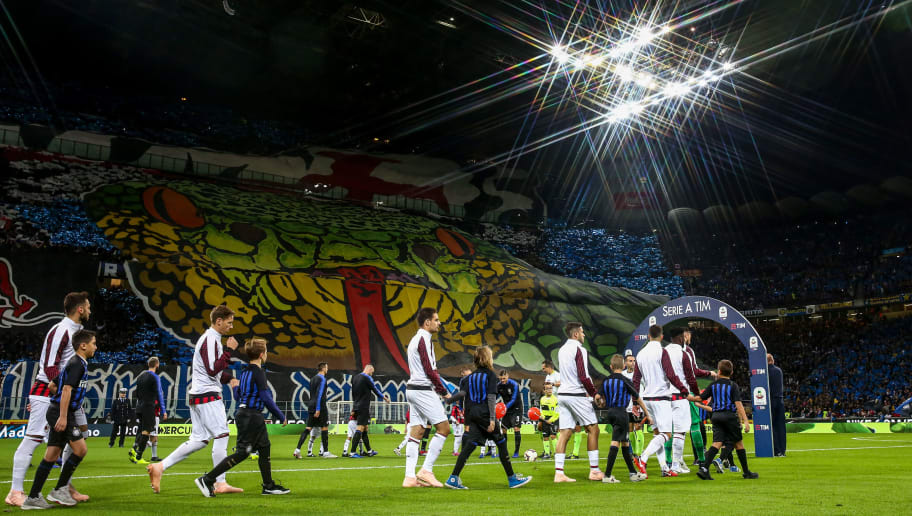 MILAN, ITALY - OCTOBER 21: A general view at Stadio San Siro, home stadium of FC Internazionale  as both teams walk out during the Serie A match between FC Internazionale and AC Milan at Stadio Giuseppe Meazza on October 21, 2018 in Milan, Italy. (Photo by Robbie Jay Barratt - AMA/Getty Images)