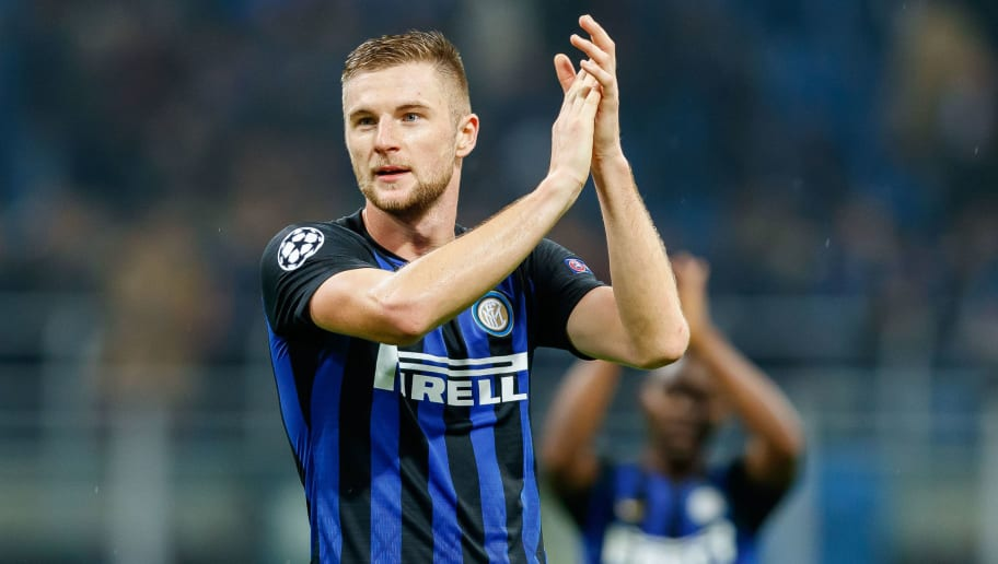 MILAN, ITALY - NOVEMBER 06: Milan Skriniar of FC Internazionale gestures during the Group B match of the UEFA Champions League between FC Internazionale and FC Barcelona at San Siro Stadium on November 6, 2018 in Milan, Italy. (Photo by TF-Images/Getty Images)